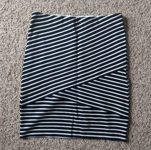NWT Loft black and white striped skirt - XS